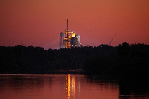 [STS-133] Discovery : Préparatifs (Lancement prévu le 24/02/2011) - Page 26 Sans_950