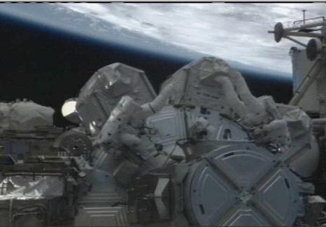 [STS-133] Discovery: Déroulement de la mission. - Page 4 Sans_962