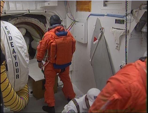 [STS-130] Endeavour 07.02.2010 tentative 1 (SCRUB). - Page 5 Sans_t22