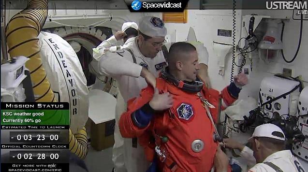 [STS-130] Endeavour : lancement (08/02/2010) - Page 2 Sans_t31