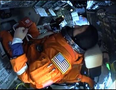 [STS-130] Endeavour : lancement (08/02/2010) - Page 2 Sans_t33