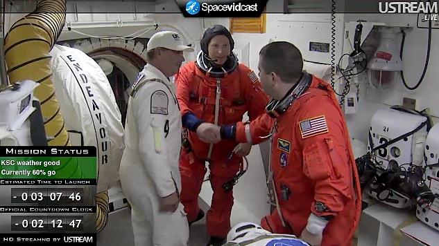 [STS-130] Endeavour : lancement (08/02/2010) - Page 2 Sans_t35