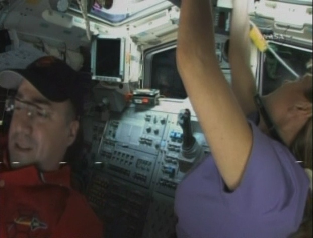 [STS-130] Endeavour : fil dédié au suivi de la mission. - Page 2 Sans_t54