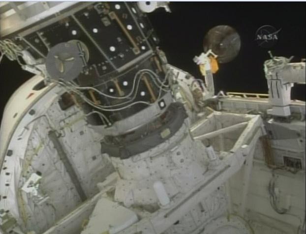 [STS-130] Endeavour : fil dédié au suivi de la mission. - Page 3 Sans_t61