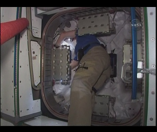 [STS-130] Endeavour : fil dédié au suivi de la mission. - Page 6 Sans_t91