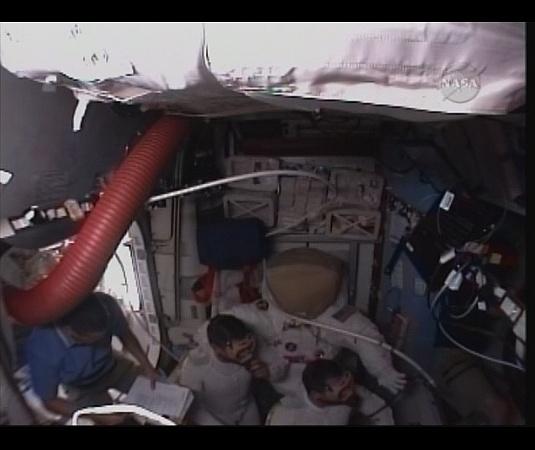 [STS-130] Endeavour : fil dédié au suivi de l'EVA#2 Behnken and Patrick Sans_t95