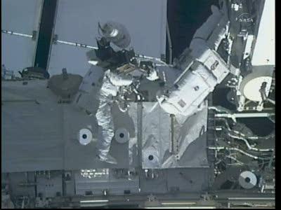 [STS-133] Discovery: Déroulement de la mission. - Page 5 Vlcsn101