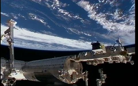 [STS-130] Endeavour : fil dédié au suivi de la mission. - Page 18 Vlcsna59