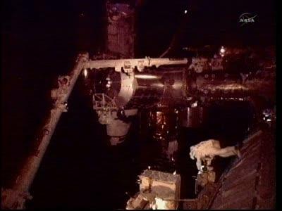 [STS-133] Discovery: Déroulement de la mission. - Page 5 Vlcsna81