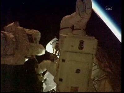 [STS-133] Discovery: Déroulement de la mission. - Page 5 Vlcsna82