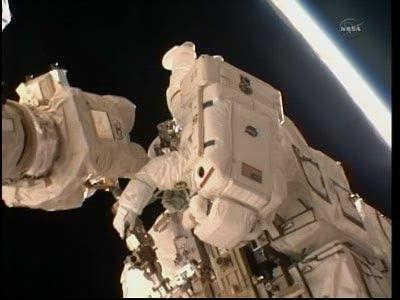 [STS-133] Discovery: Déroulement de la mission. - Page 5 Vlcsna83