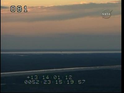 [STS-130] Endeavour : retour sur terre 3h20 GMT le 22/02/201 - Page 3 Vlcsna87