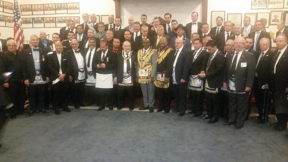 Visita del MRGM de la GL de Cuba Ernesto Zamora Fernandez a la Logia Luz de America No. 255 5824c210