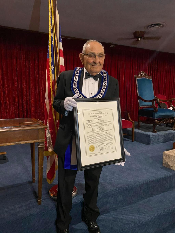 Recibe Carta Patente la Logia Fraternidad No. 414 E6c96a10