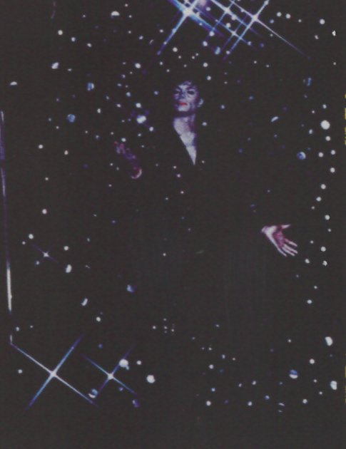 Milano, Michael Jackson vestito di luce - Pagina 3 Bani310