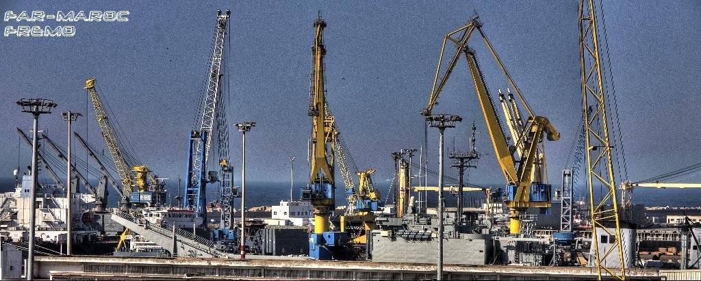 Royal Moroccan Navy Newport class / Sidi Mohammed Ben Abdellah ( 407 ) ( Inactive ) 36108710