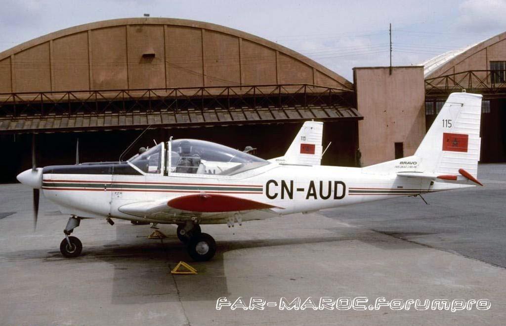 FRA: Photos avions d'entrainement et anti insurrection - Page 4 Clipbo41