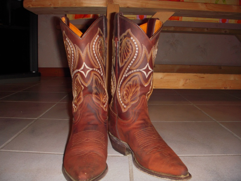 bottes western, et 2 selles western Dscn0910