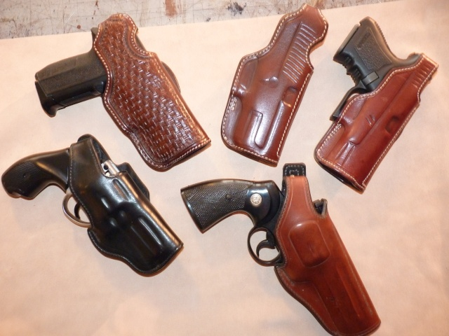 HOLSTERS REVOLVERS et AUTOS by SLYE P1020929