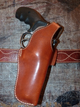 HOLSTERS REVOLVERS et AUTOS by SLYE P1020932