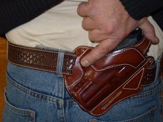 "HOLSTERS INSIDE ""KIDNEY"" pour autos et révolvers by SLYE P1030117"