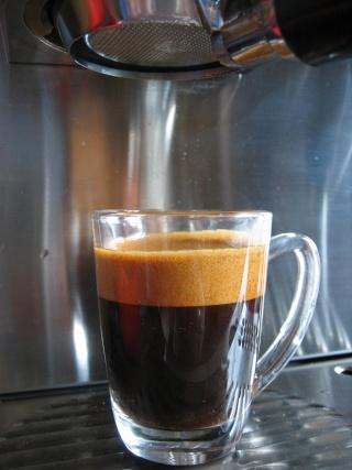 Peu de crema avec pas mal de cafés d'origine... 3_mala15