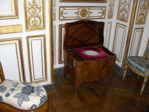 Les Toilettes de Mampang... - Page 2 Chaise10