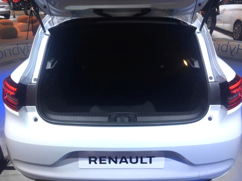 2019 - [Renault] Clio V (BJA) - Page 31 Hd-ren12
