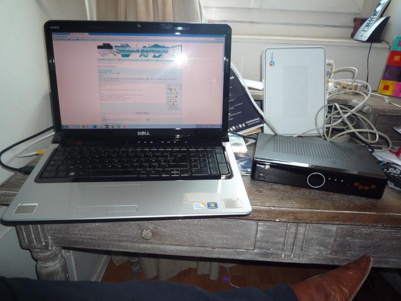 Décodeur TV - prises CPL - 4 petits carrés .... P1010810