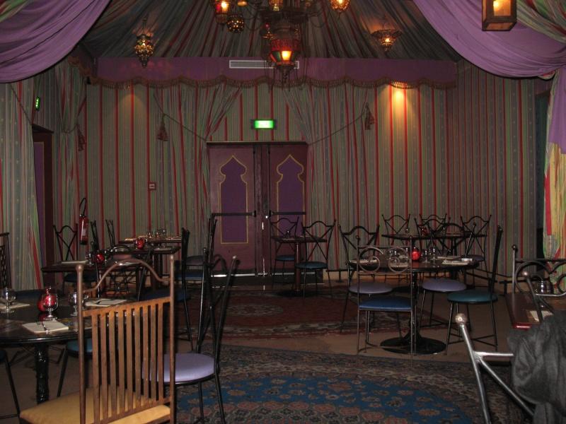 Agrabah Café Restaurant (carte p.26) - Page 3 Disney24