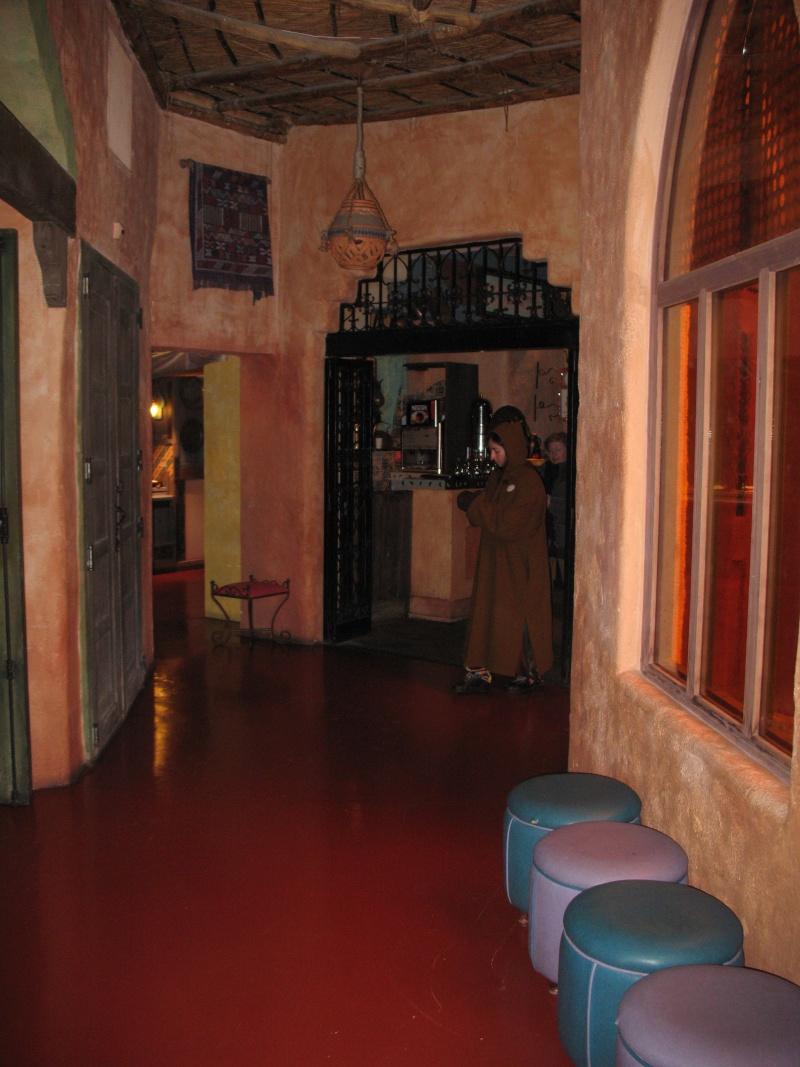Agrabah Café Restaurant (carte p.26) - Page 3 Disney25