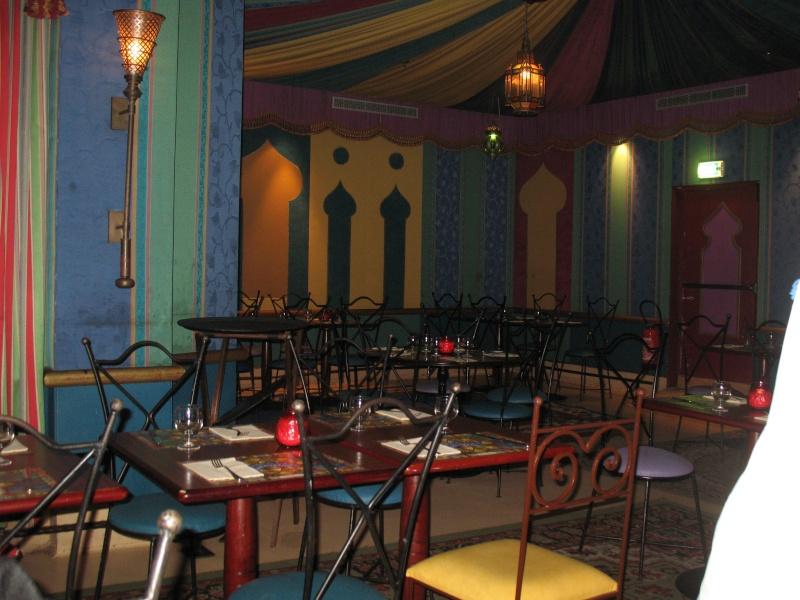 Agrabah Café Restaurant (carte p.26) - Page 3 Disney26