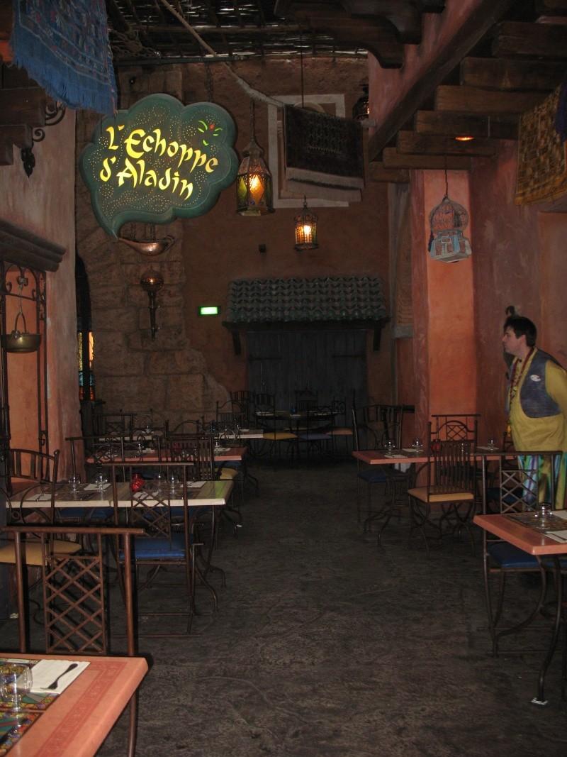 Agrabah Café Restaurant (carte p.26) - Page 3 Disney28