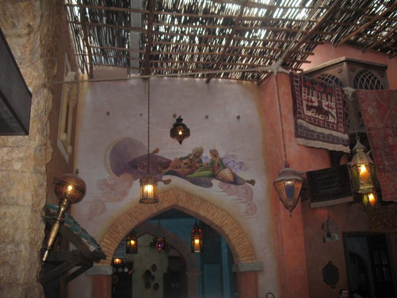 Agrabah Café Restaurant (carte p.26) - Page 3 Disney30