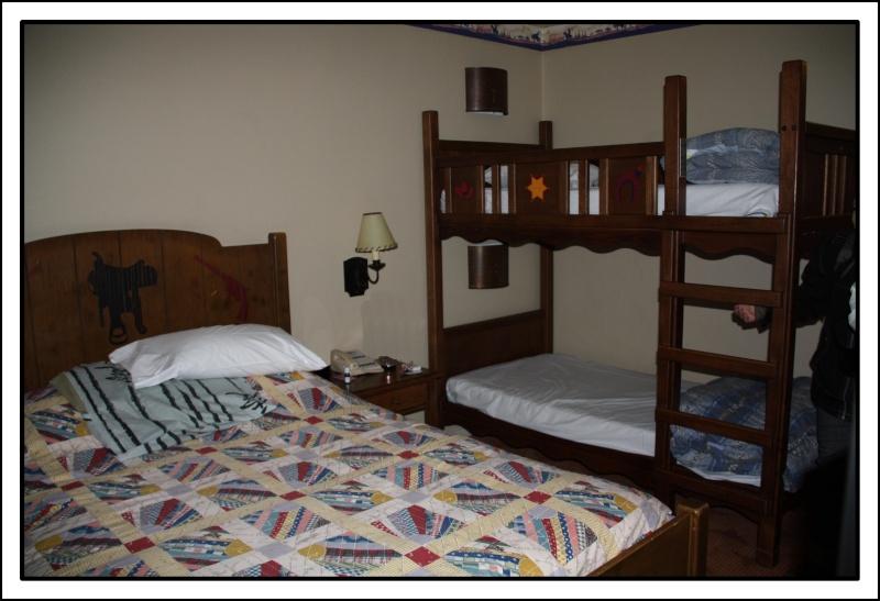 Disney's Hôtel Cheyenne - Page 5 Img_0813