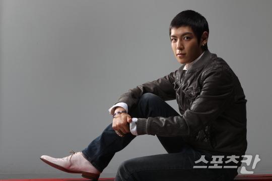 [29/05/10][Big Bang][TOP travaille sur son album solo] Top10