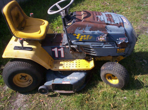 4x4 lawntractor 11812911