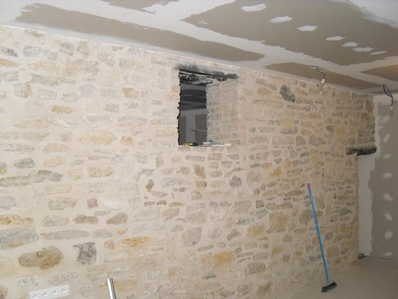 Renovation maison de village en pierre Sdc11620