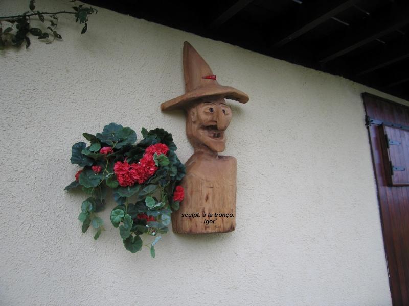 Une des mes sculptures à la tronçonneuse Sculpt28