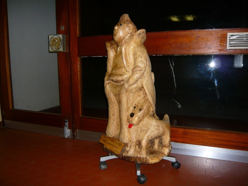 Une des mes sculptures à la tronçonneuse Tintin11