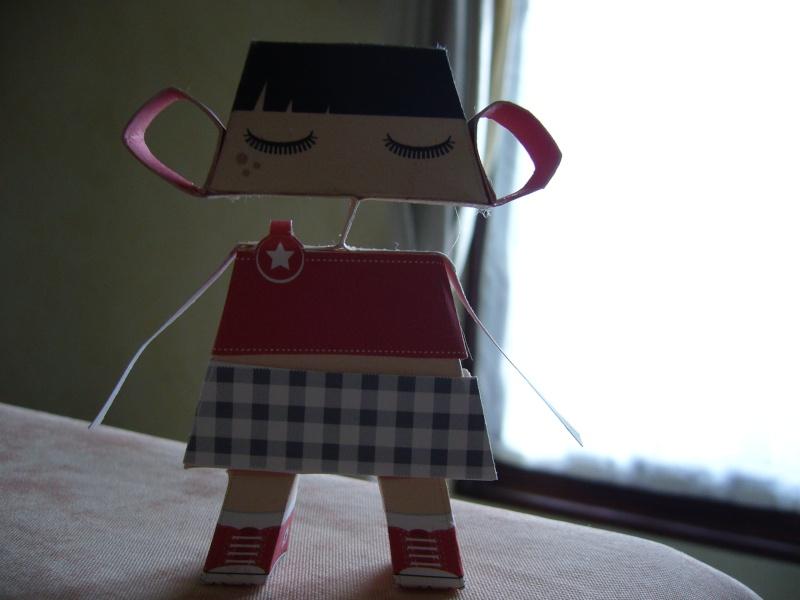 Paper craft ou Papertoys-Déco de bureau P1060310