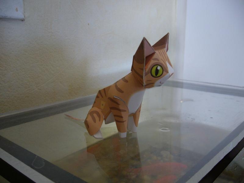 Paper craft ou Papertoys-Déco de bureau P1060410