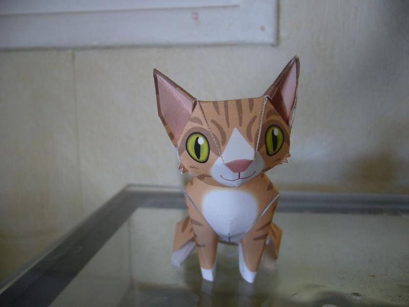 Paper craft ou Papertoys-Déco de bureau P1060411
