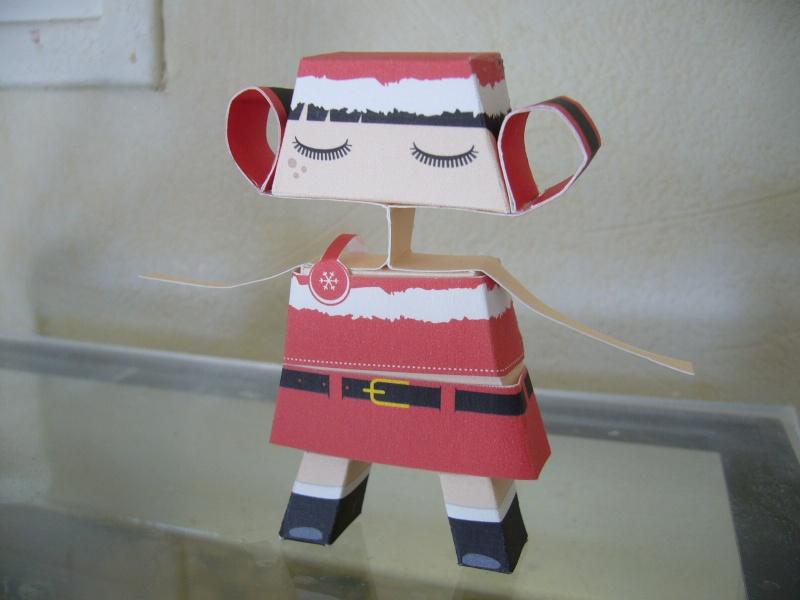 Paper craft ou Papertoys-Déco de bureau P1060413