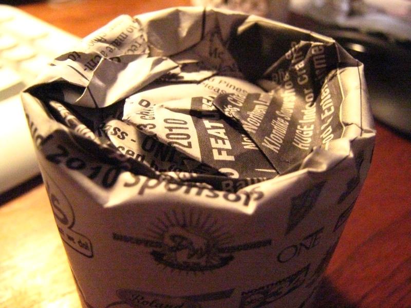 Recycling newspaper => starter pots Img_3115