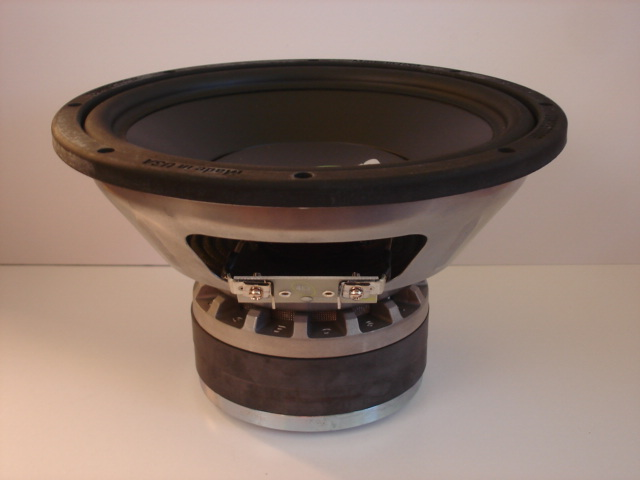 Boston competitor subwoofer 1000 series (New) Dsc05311