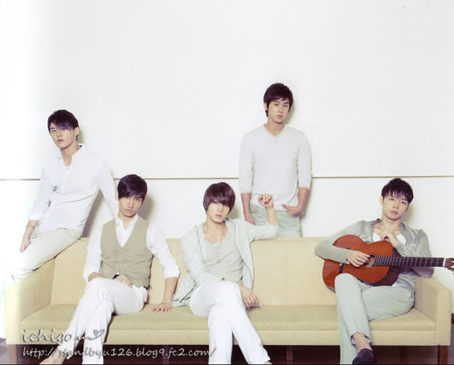 DBSK Nuotraukos - Page 4 20110