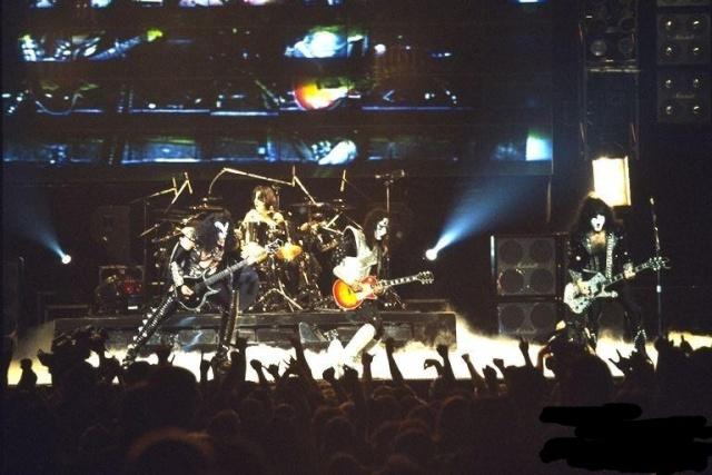 Alive  Worldwide  1996/1997 1996_f10