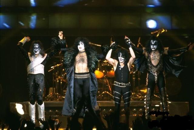Alive  Worldwide  1996/1997 1996_s10