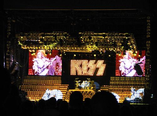 Alive 35 tour 26224810